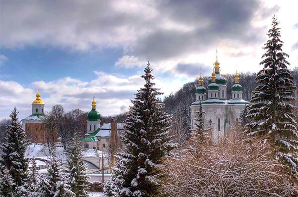 Выдубецкйи монастырь и ботанический сад