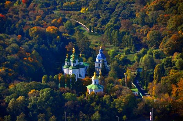 Места силы Печерска. Выдубицкий монастырь и ботсад.